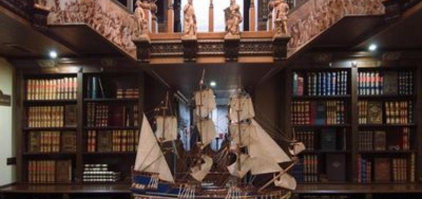Samaya dorogaya biblioteka v Rossii otkrylas' v Pitere